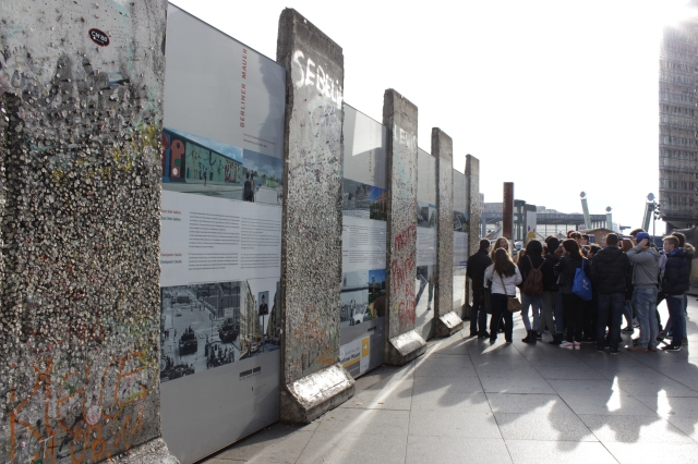 Berlin-wall-fall